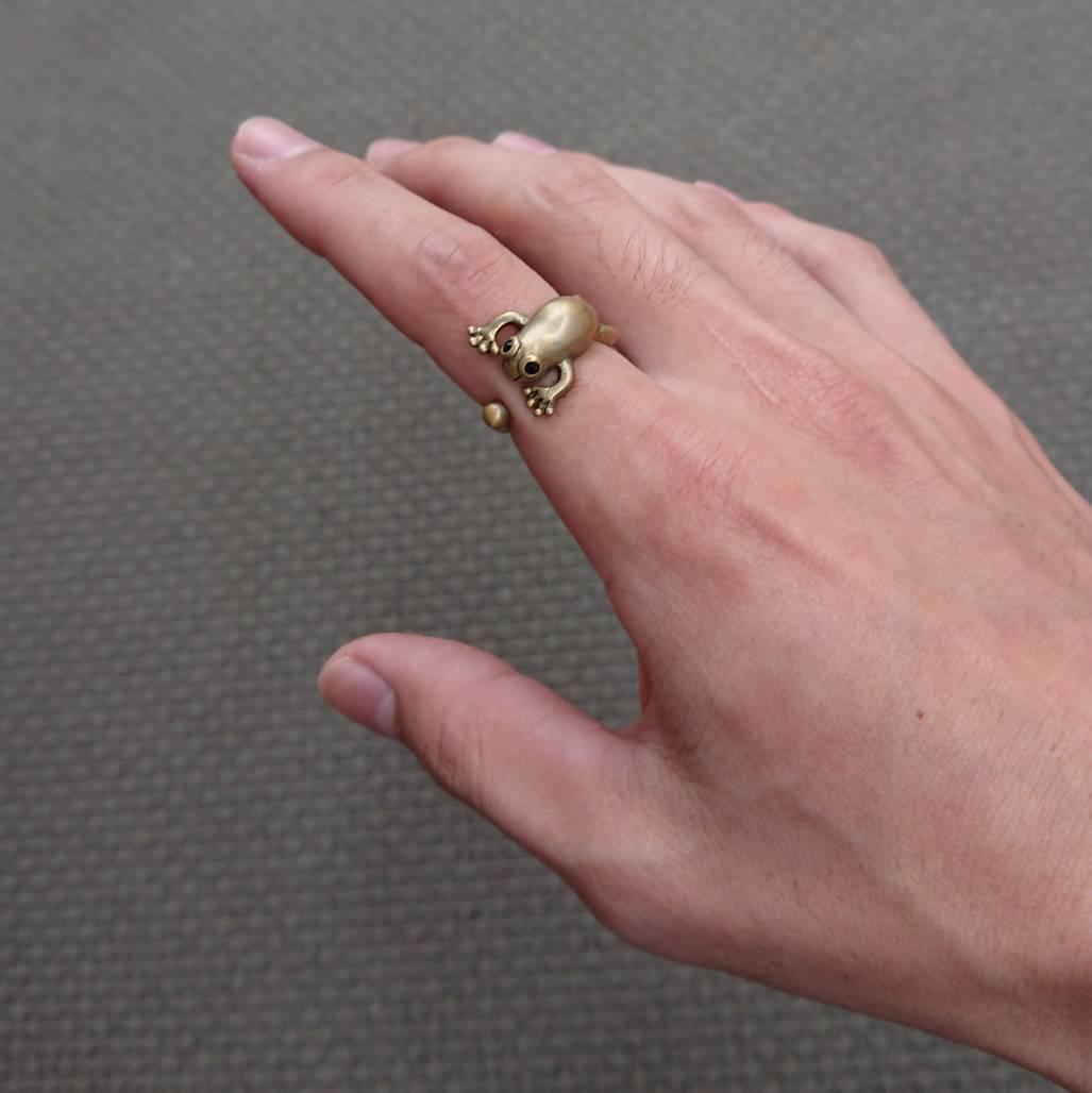 指輪 カエル.jpg