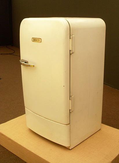 refrigerator01.jpg
